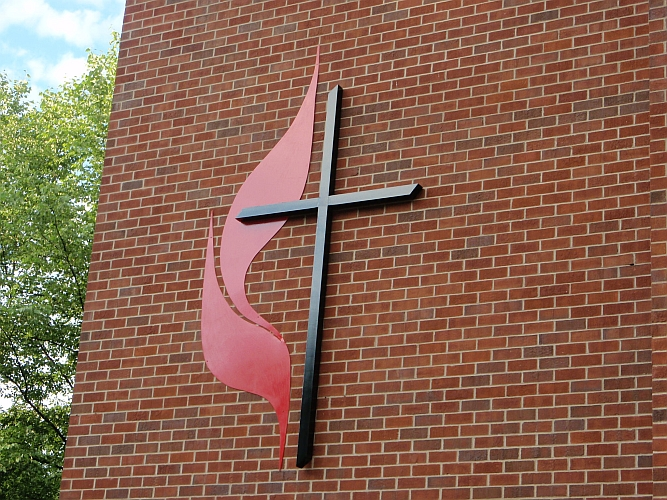 United Methodist Church sign Logo, UMC Cross & Flames sign come in all sizes, church cross, UMC Cross, large cross and flames, lit cross and flames, viscardi designs, tony viscardUnited Methodist cross and flame design logo, UMC custom cross and flames logo sign,