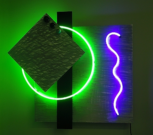 Cool Neon Wall Lights : outdoor,corporate,and monumental sculptures